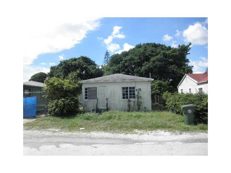 136 NE 83rd St, Miami, FL 33138