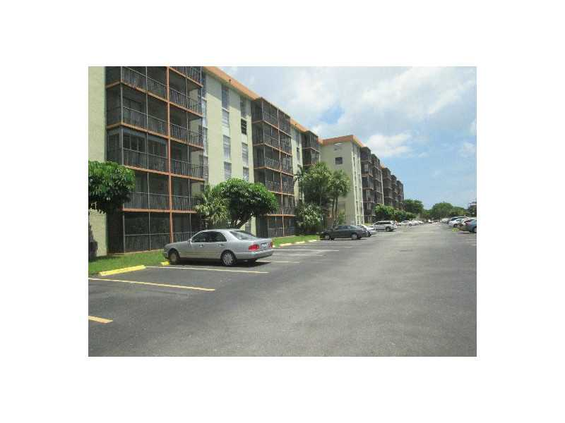 16950 W Dixie Hy # 229, North Miami Beach, FL 33160