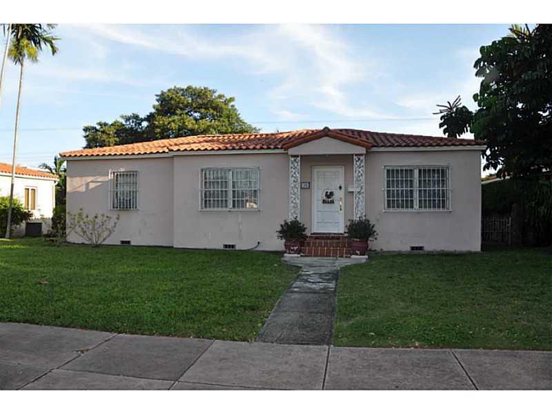 48 Alcantarra Ave, Coral Gables, FL 33134