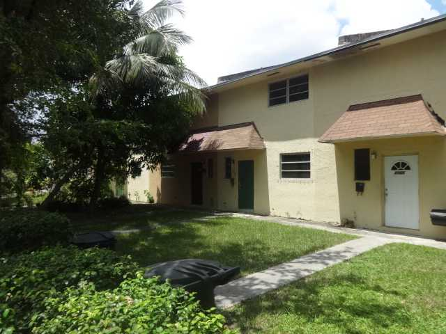 2059 NE 139th St, North Miami Beach, FL 33181