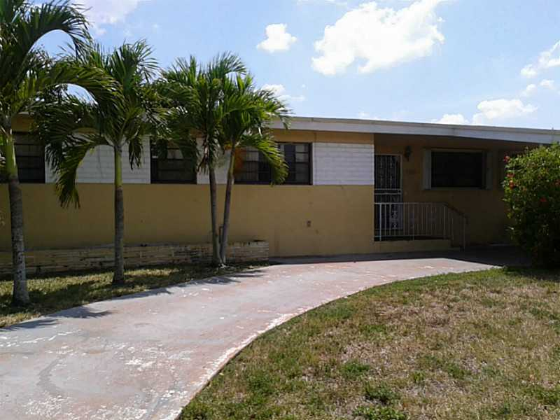 17720 Myrtle Lake Dr, Miami Gardens, FL 33056
