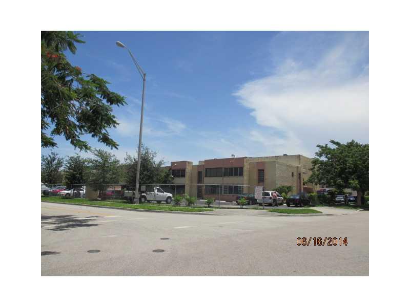 1305 W 46 St # 116, Hialeah, FL 33012