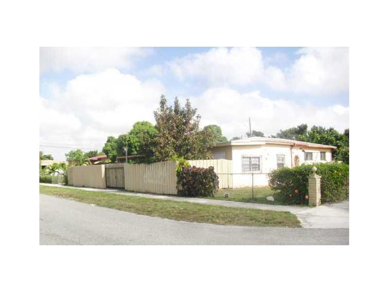 3095 Nw 98th St, Miami, FL 33147