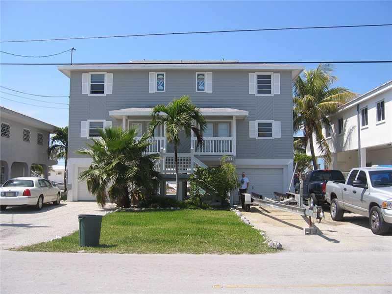 511 5th St, Key Colony Beach, FL 33051
