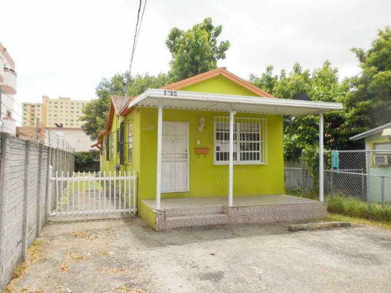 1260 NW 4th St, Miami, FL 33125