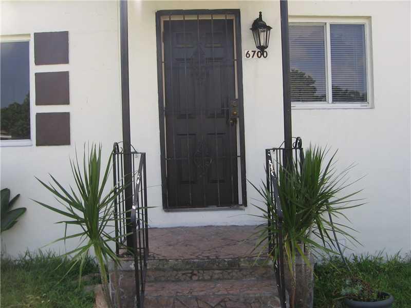 6700 Sw 29th St, Miami, FL 33155