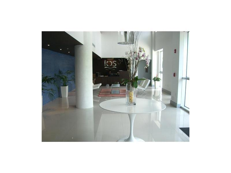 720 NE 62 St # 402, Miami, FL 33138
