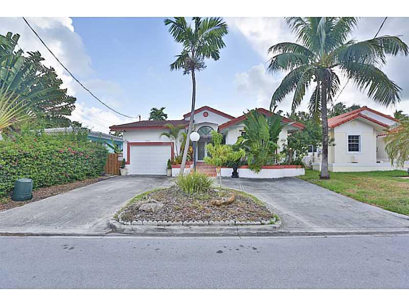 9013 Dickens Ave, Surfside, FL 33154