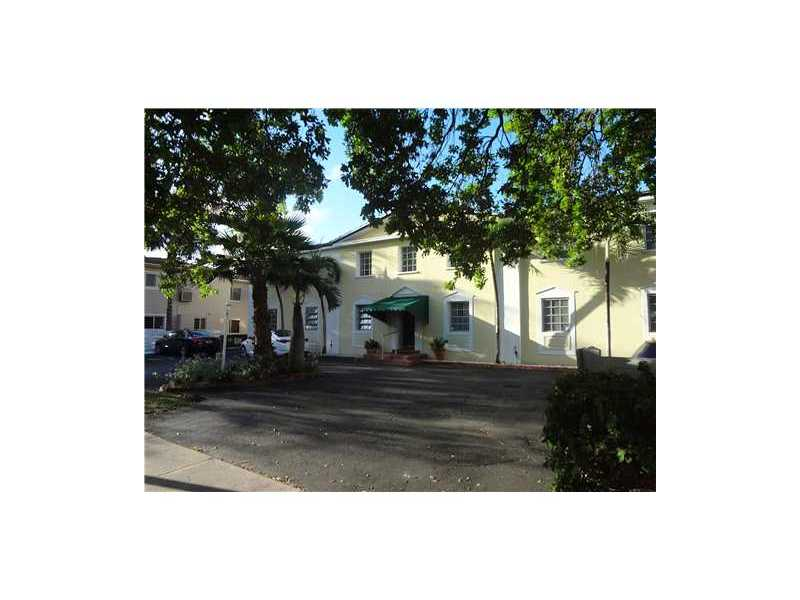 73 Edgewater Dr # 2, Coral Gables, FL 33133