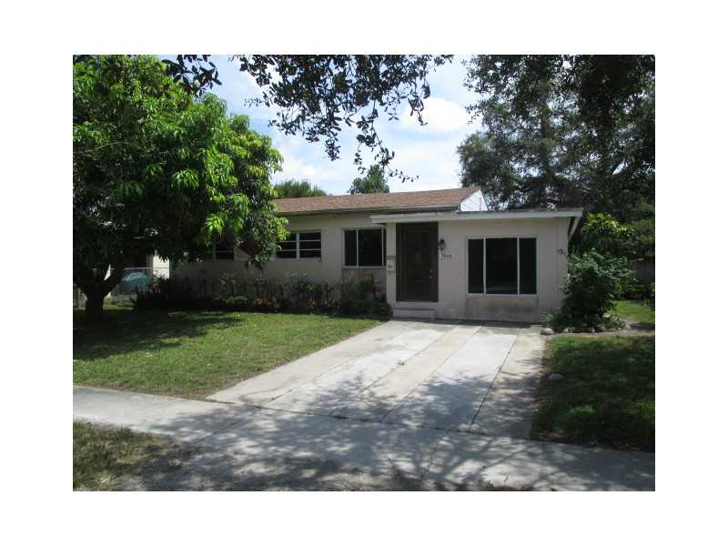 1944 Ne 178th St, Miami, FL 33162
