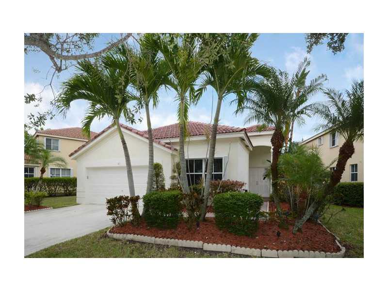 611 Willow Bend Rd, Fort Lauderdale, FL 33327