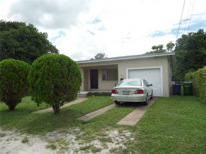 1940 Nw 65th St, Miami, FL 33147