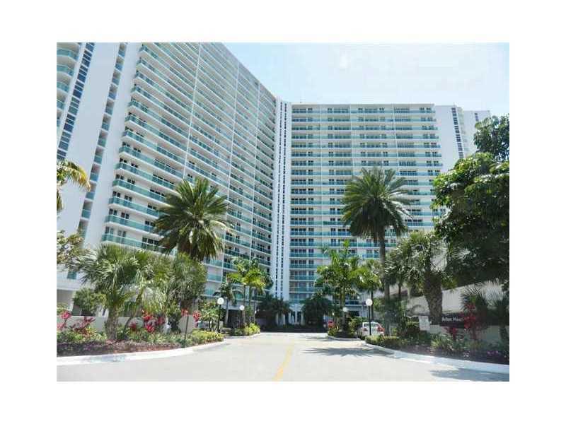 100 Bayview Dr # 207, Sunny Isles Beach, FL 33160