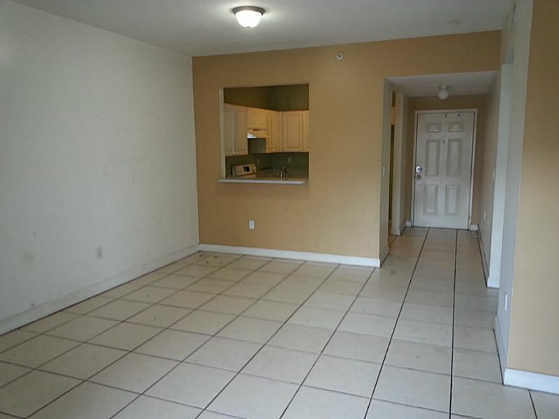 1300 NE 109 St # 402, Miami, FL 33161