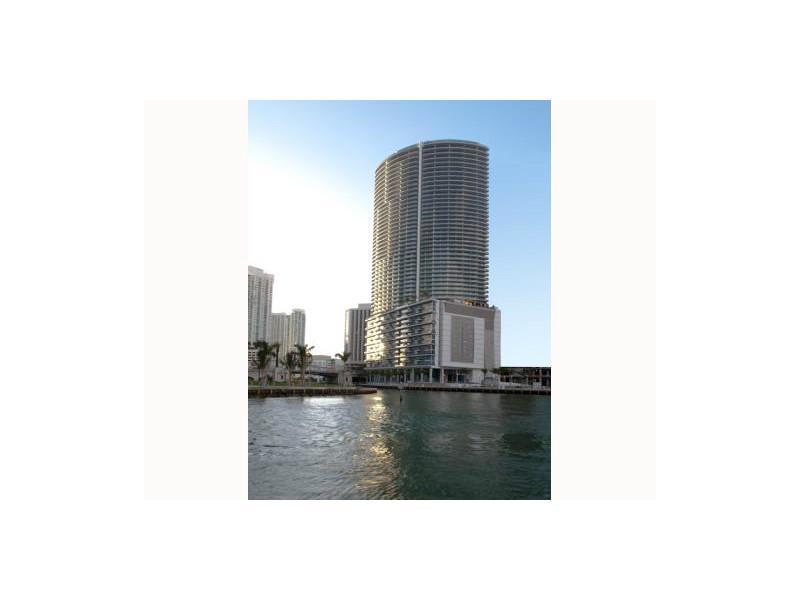 200 Biscayne Blvd Way # 4208, Miami, FL 33131