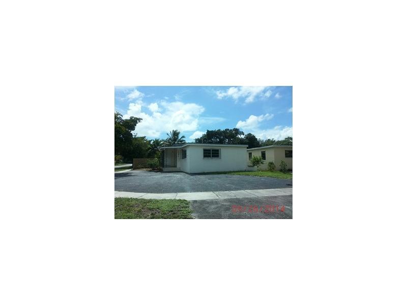 1090 Ne 146th St, North Miami, FL 33161