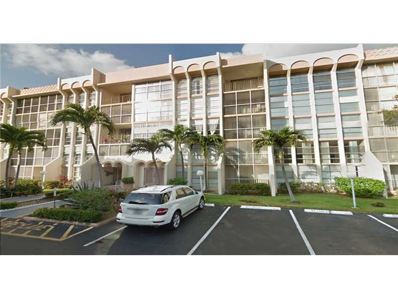 601 Three Islands Bl # 112, Hallandale, FL 33009