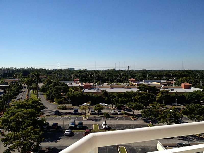 18011 Biscayne Bl # 705-1, Aventura, FL 33160