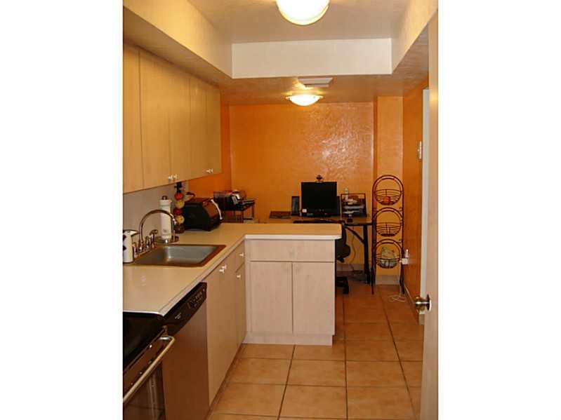 18011 Biscayne Bl # 302-1, Aventura, FL 33160