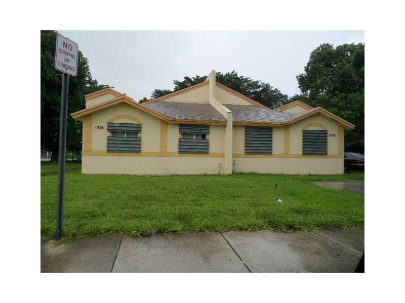 1300 Nw 103rd St, Miami, FL 33147