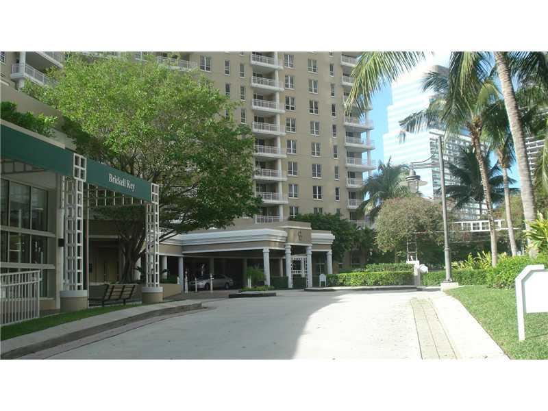 701 Brickell Key Bl # 903, Miami, FL 33131