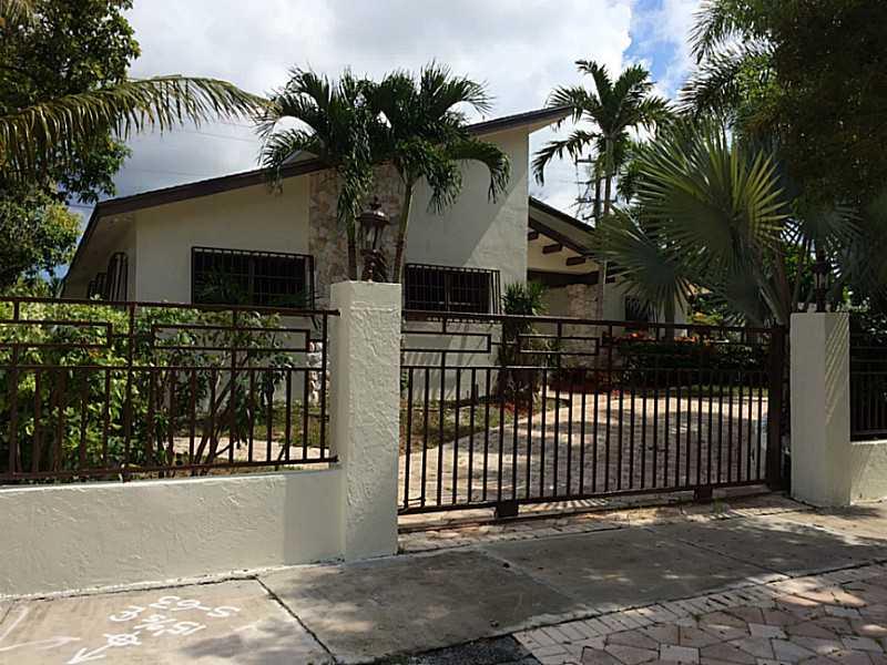 19421 Whispering Pines Rd, Miami, FL 33157
