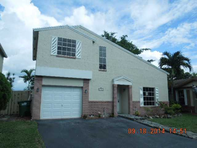 19313 NW 86th Ave, Hialeah, FL 33015