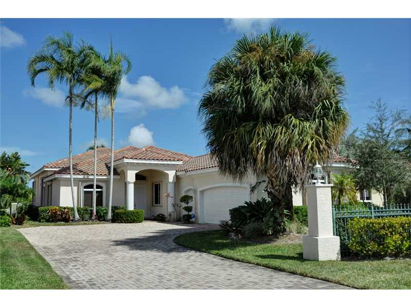 695 Greensward Ln, Delray Beach, FL 33445