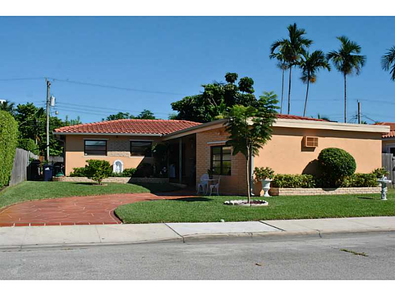 7541 Cutlass Ave, North Bay Village, FL 33141