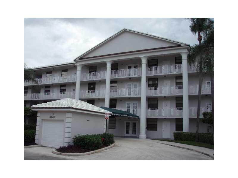3540 Whitehall Dr # 405, West Palm Beach, FL 33401