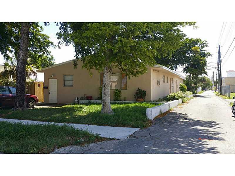 2040 Pierce St, Hollywood, FL 33020