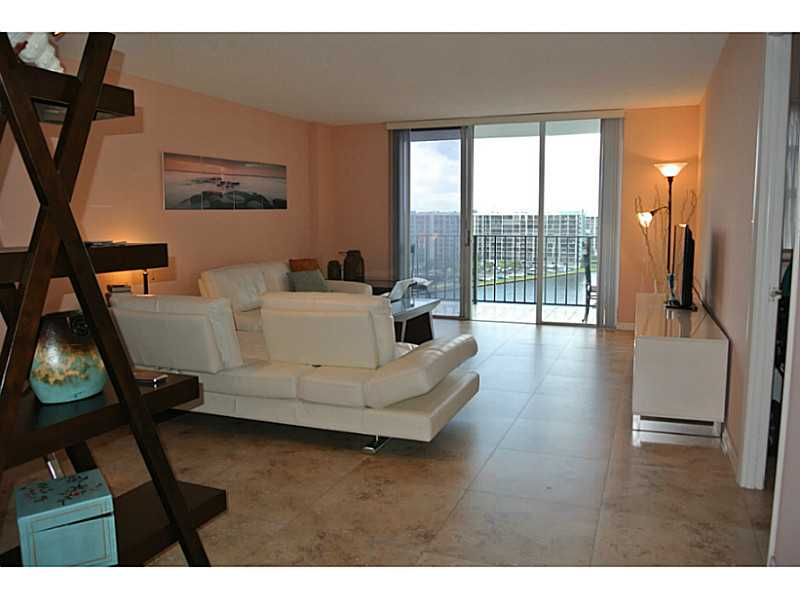 One of Hollywood 1 Bedroom Beach Homes for Sale