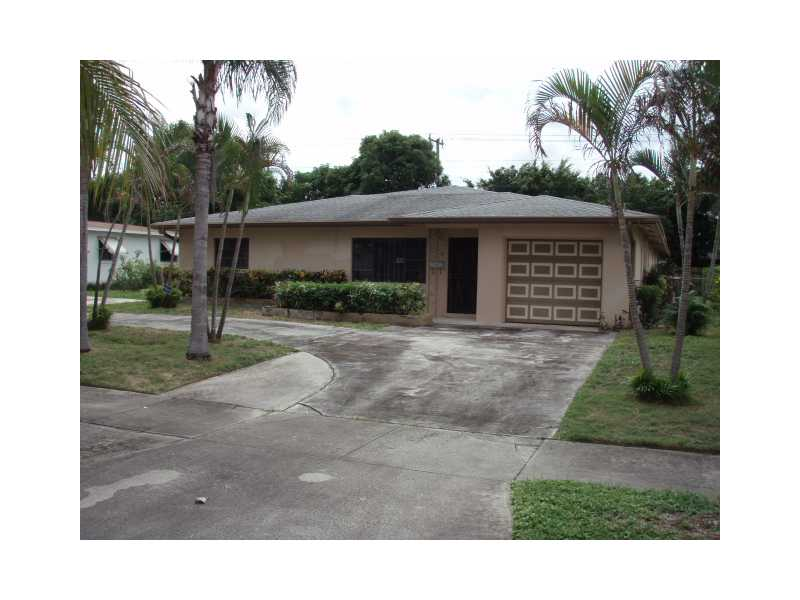 338 E Ilex Dr, Lake Park, FL 33403