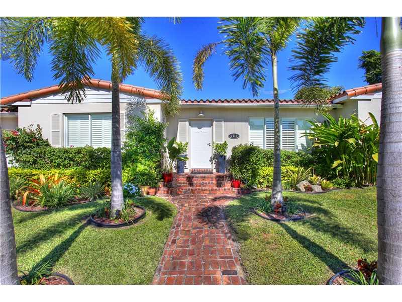 1413 Certosa Ave, Coral Gables, FL 33146