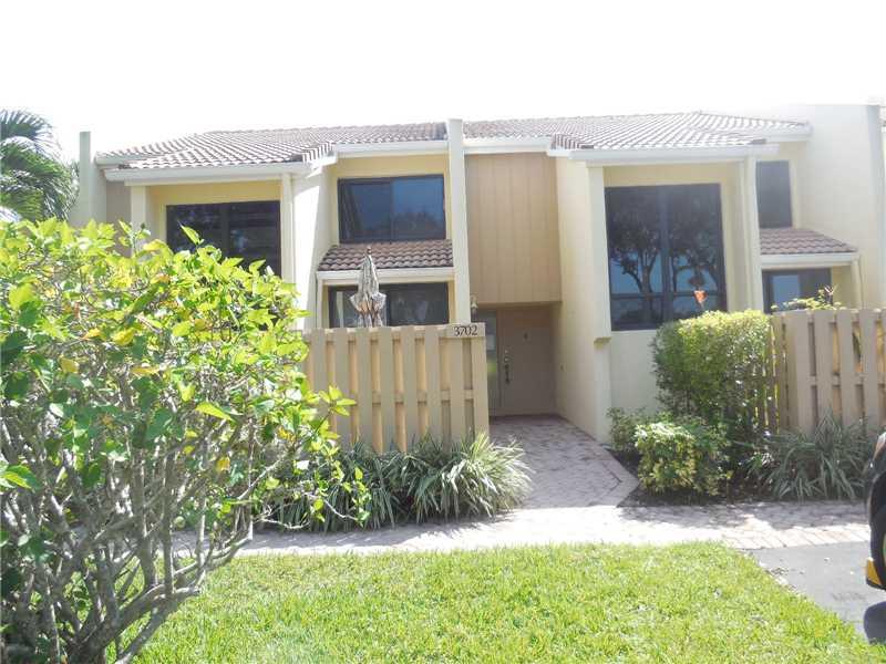 3702 Bridgewood Dr, Boca Raton, FL 33434