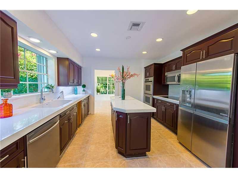 931 Placetas Ave, Coral Gables, FL 33146
