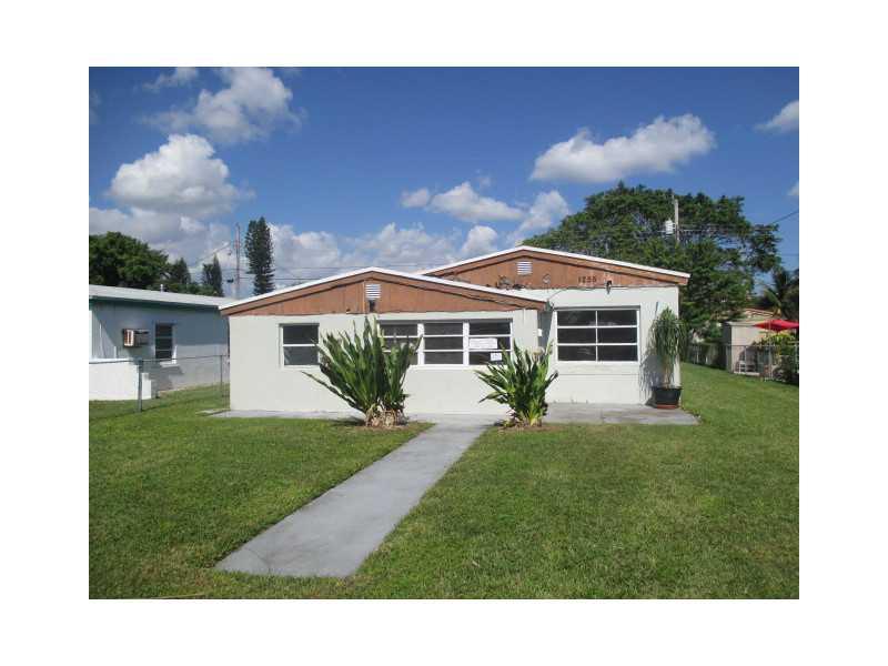 1255 Ne 179th St, North Miami Beach, FL 33162