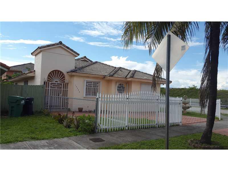 15326 Nw 90th Ct, Hialeah, FL 33018