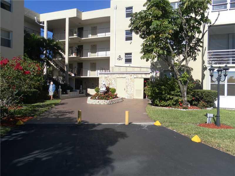 2801 Somerset Dr, Lauderdale Lakes, FL 33311