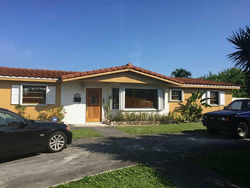 8501 Nw 185th St, Hialeah, FL 33015
