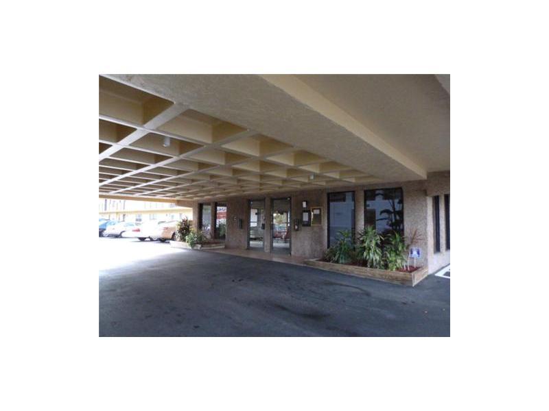9273 Sw 8 St # 220, Boca Raton, FL 33428