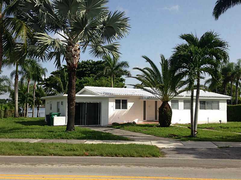 2531 NE 209th Ter, Miami, FL 33180