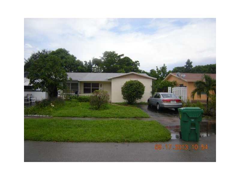 5701 Nw 14th St, Lauderhill, FL 33313