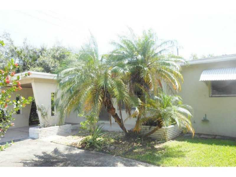 823 N Golf Dr, Hollywood, FL 33021