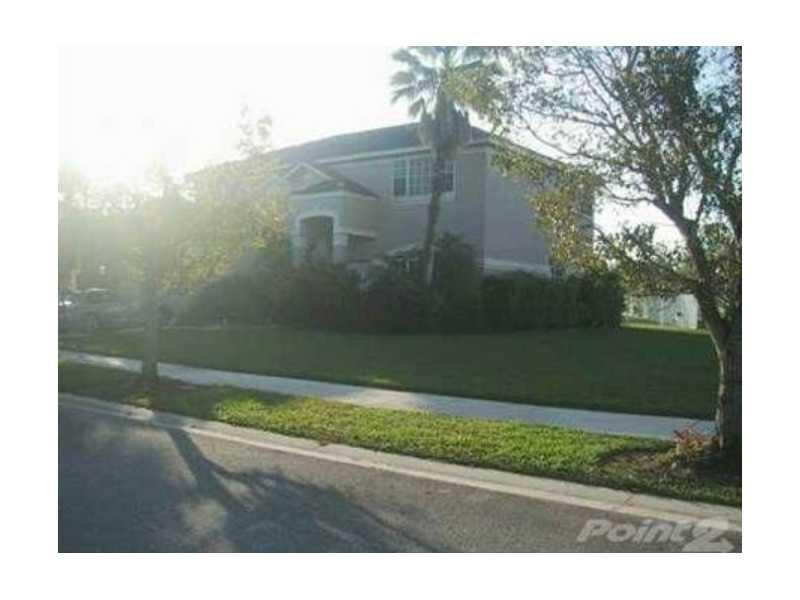 676 Verona Ct, Fort Lauderdale, FL 33326