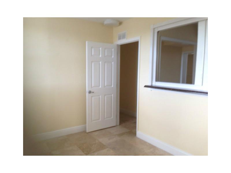 6355 Sw 8th St, Miami, FL 33144