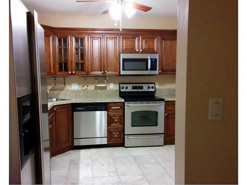 6751 Cypress Rd # 114, Plantation, FL 33317