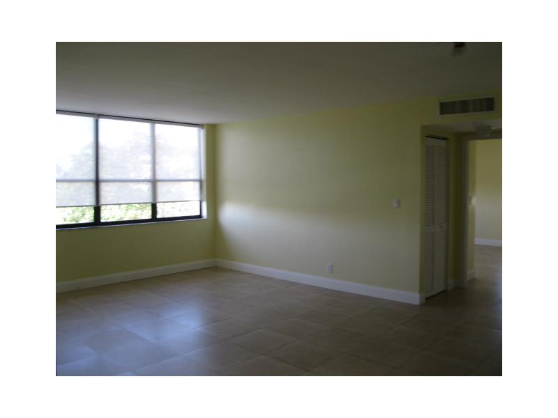 Rental Homes for Rent, ListingId:31496823, location: 10000 BAY HARBOR TE Bay Harbor Islands 33154