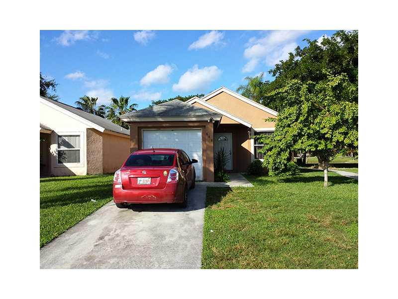 848 SW 10th St, Homestead, FL 33034