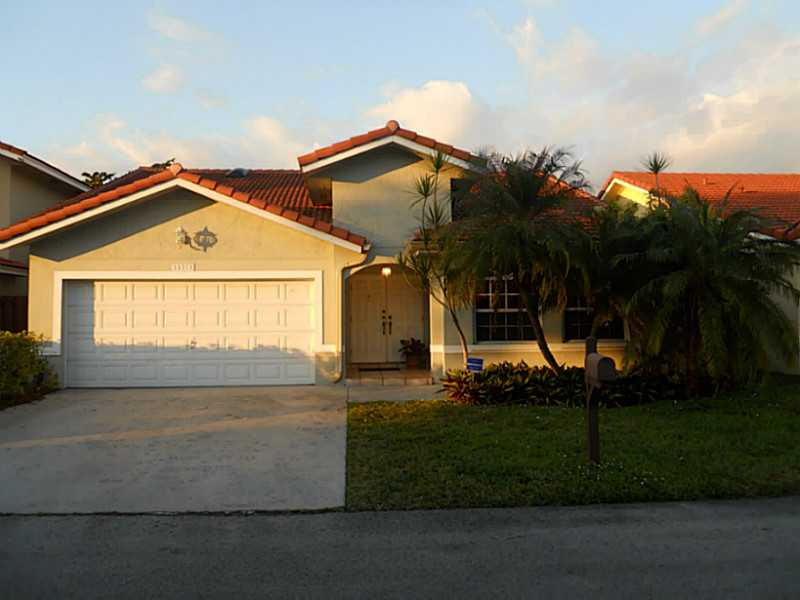 15373 SW 42nd Ln, Miami, FL 33185